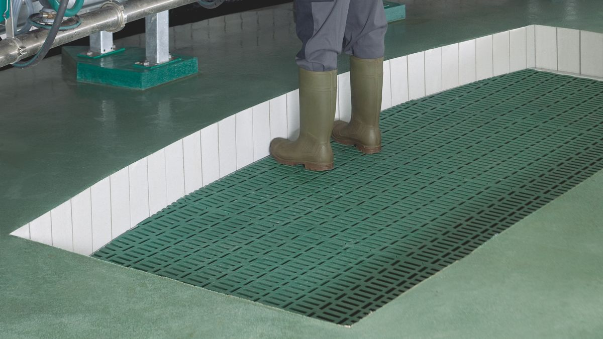 Milking parlor accessory ego lifting floor dailygadgetfo Choice Image