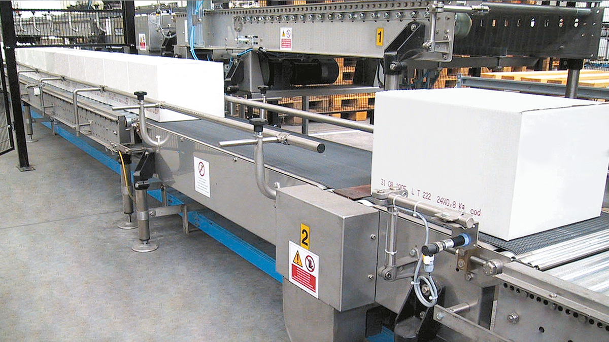 Carton boxes conveyors