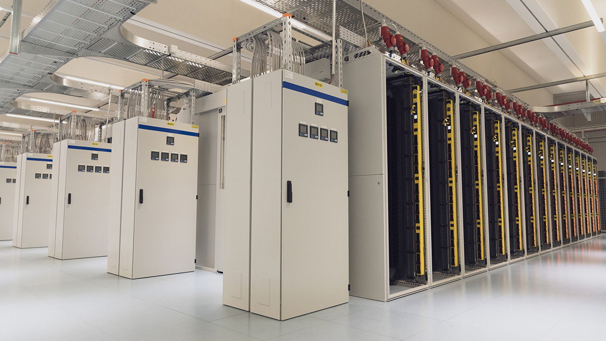 The 1,500 square-meter data center. Each rack can draw up to 20 kW of electrical power