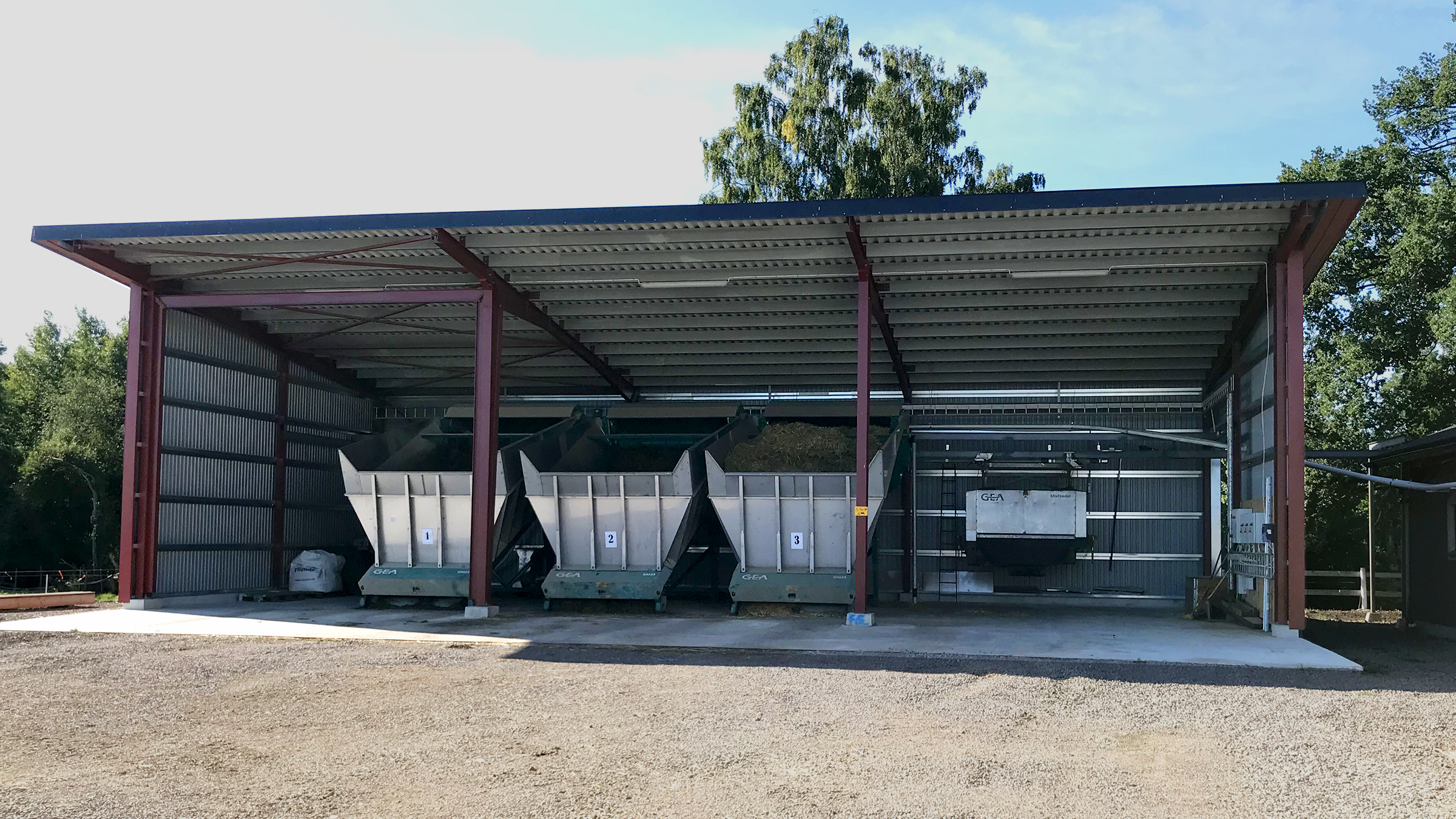 When focusing on animal health and optimal feed supply, high quality milk and high performance come almost automatically