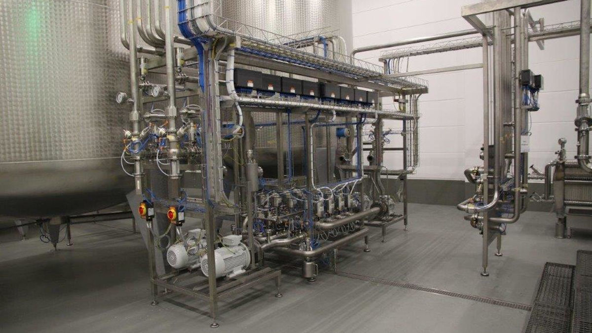 GEA's 7-component in-line blending system has a capacity of 30,000 liters per hour. (Photo: GEA)