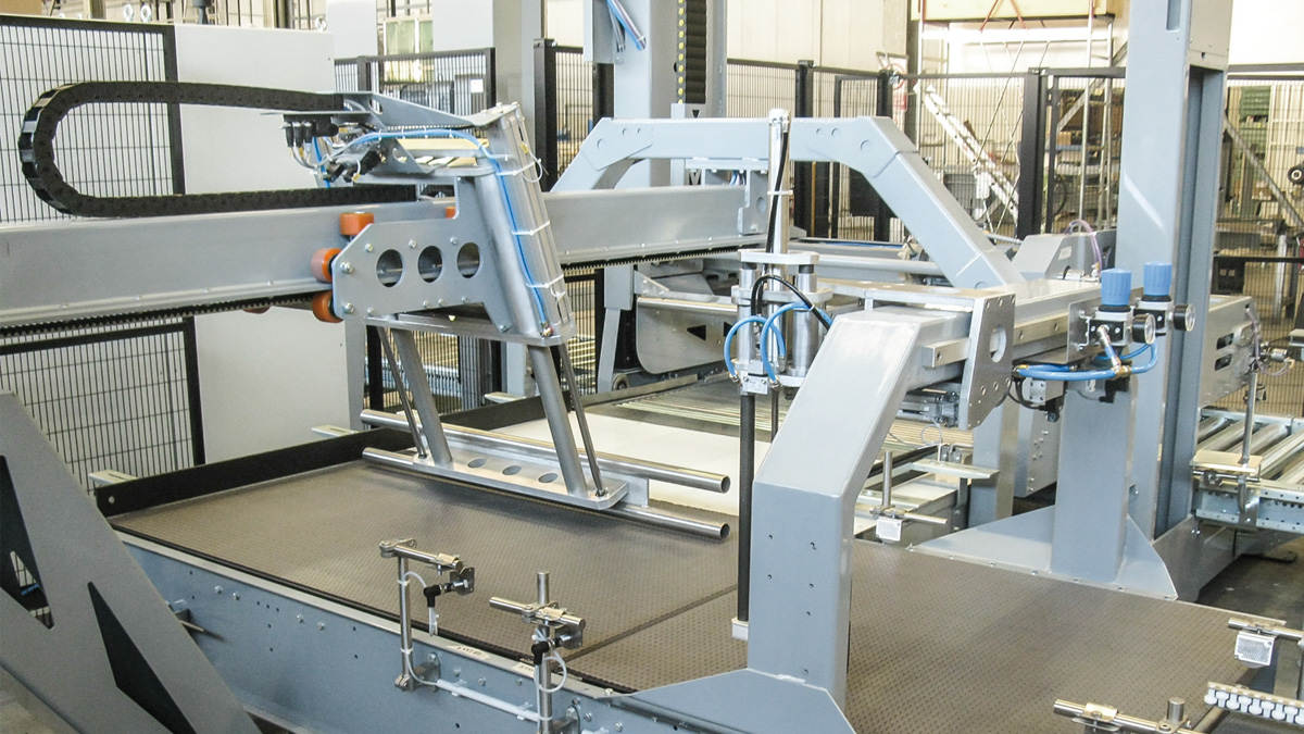 The low level infeed palletizer Opera for low/medium production capacity