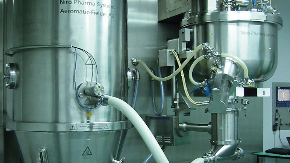 Integrated line of a top-drive granulator (Gral) and a fluid bed dryer