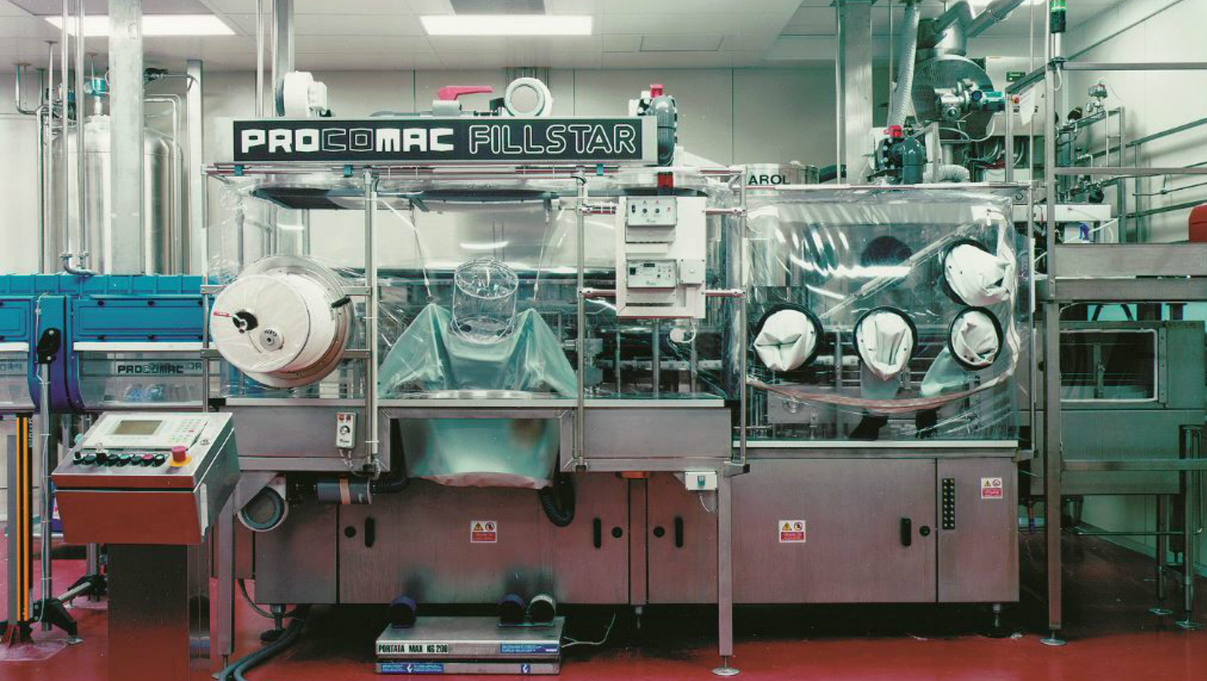 The first Procomac integrated injection-blow-fill aseptic bloc ASIS, Japan, mid-1990s: from PET resin to the filled bottle in a single system without the need for container sterilization.