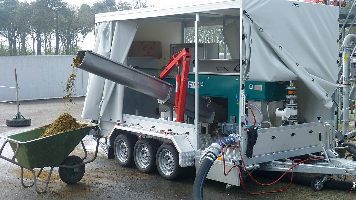 mobile manure separation