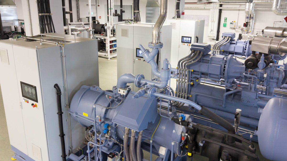 The GEA BluQ chiller with GEA CompaX, one of the world's first semi-hermetic compact screw compressor for ammonia, has proved to be a great success in field tests at Wolf Butterback KG. (Photo: GEA)
